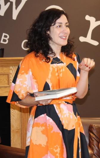 Joanna Rakoff at Words Maplewood