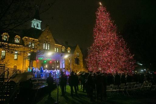 University Avenue Tree Lights Are >> Seton Hall University Christmas Tree Lighting Ceremony The Village